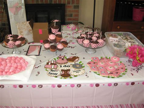 bridal shower table decorations 33 beautiful bridal shower decorations ideas
