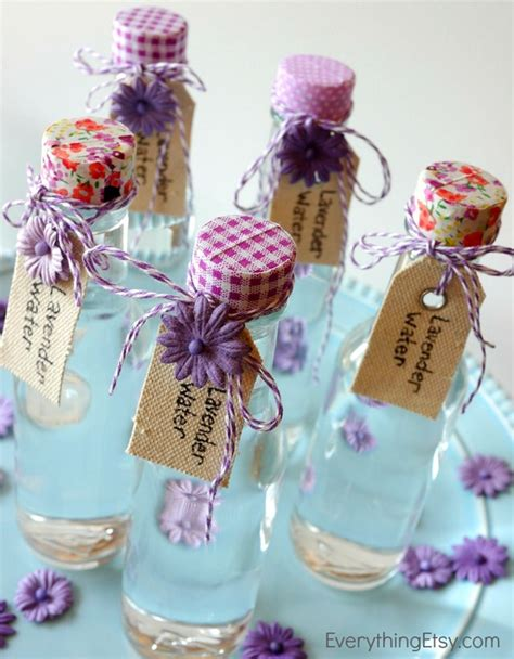 Easy Do It Yourself Home Decor lavender water tutorial diy linen spray