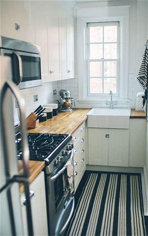 really small kitchen ideas best 25 small kitchen design ideas on