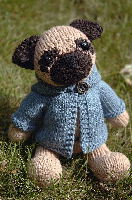 knitted pug pattern kelby by fuzzymitten via flickr knitted
