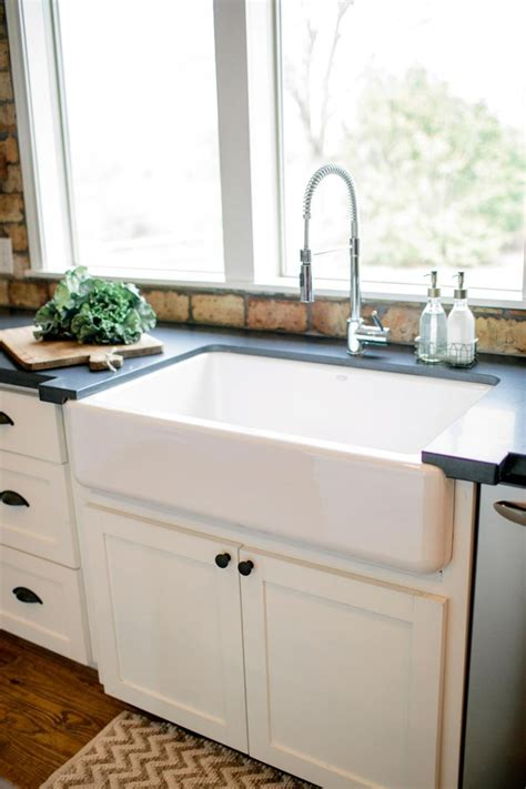 country kitchen sink best 20 country sink ideas on farm sink