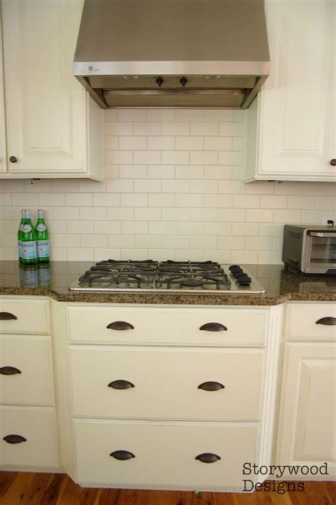 chalk paint kitchen cabinets white kitchen cabinets painted with sloan chalk paint