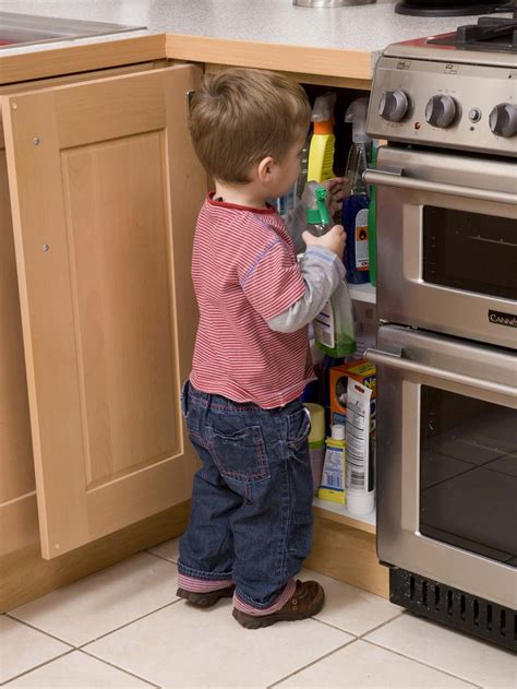Essential Kitchen Knives child safety goes down the pan as british parents ignore