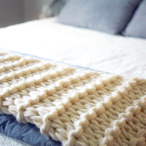 how to start knitting a blanket arm knit blanket tutorial and giveaway flax twine