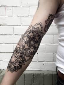 un tatouage de mandala 128 inkage