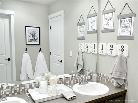 Black And White Bathroom Decor Pictures by Bathroom Decor Whiteaker