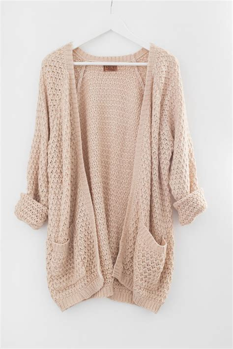 how to wear a knitted cardigan best 25 cardigans ideas on style fashion