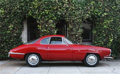 Alfa Romeo On Ebay by μια κατακόκκινη Alfa Romeo Giulietta Ss του 1961 πωλείται