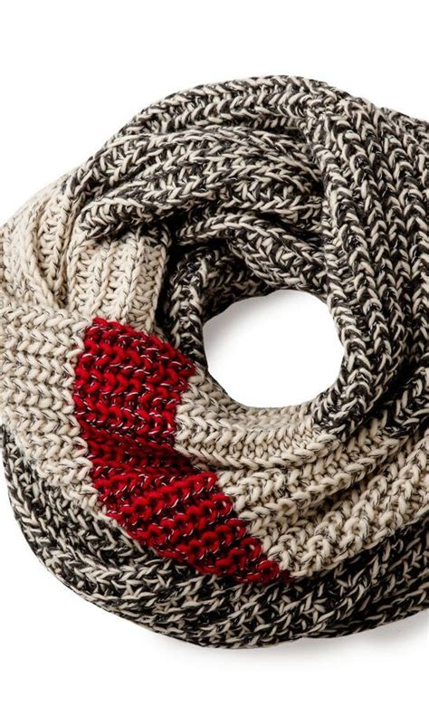 how to start knitting a scarf 25 best ideas about knit scarves on knitting