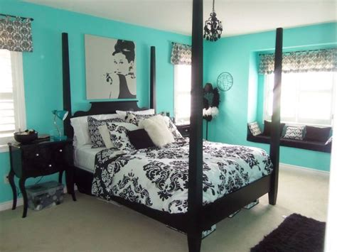decorating with black bedroom furniture 1000 ideas about teal bedrooms on grey teal