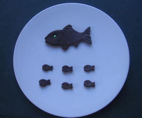 des poissons d avril en p 226 te 224 modeler au chocolat gourmicom
