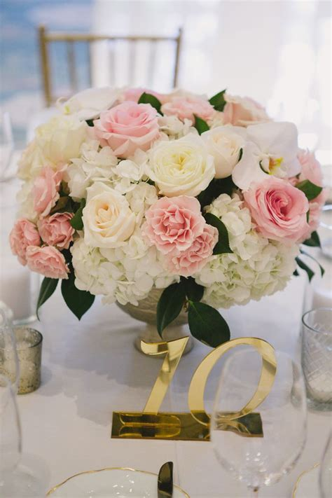and white centerpieces 25 best ideas about centerpieces on