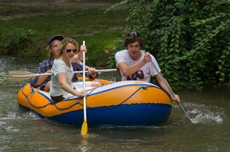 Englischer Garten München Bootfahren by Schlauchboot Fahren In M 252 Nchen Das Offizielle