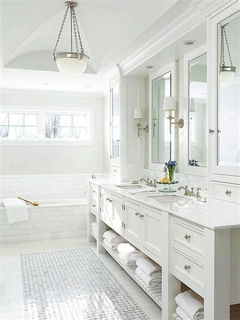 All White Bathroom Ideas by Best 25 White Bathrooms Ideas On White