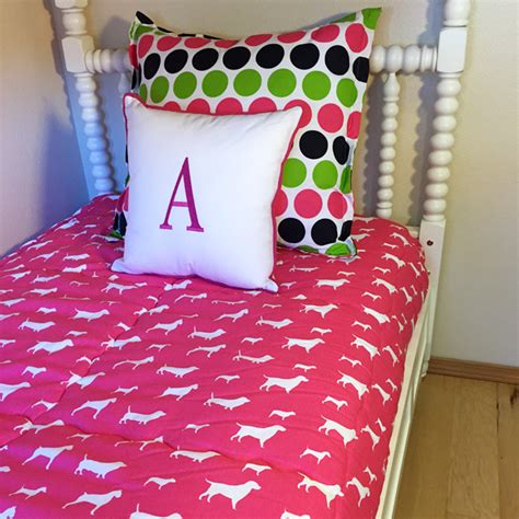 puppy bunk beds puppy love custom fitted comforter bedding for bunks