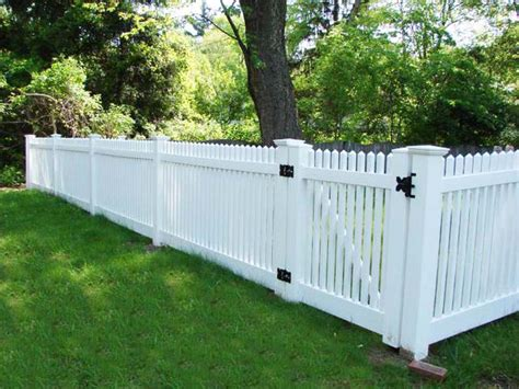 types of fences for backyard different types of yard fences backyard fence 2 600x450