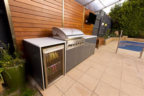 outdoors kitchen the various recommendations and ideas of the materials of