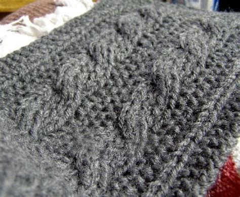 reversible cable knit pattern s chat reversible cable scarf pattern