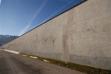 wall with walls pictures