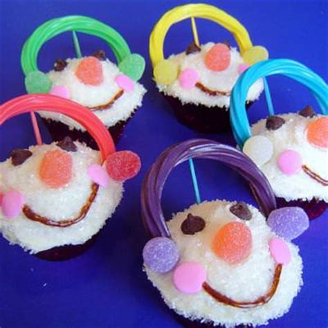 winter food crafts for snowman cupcakes edible winter crafts tip junkie