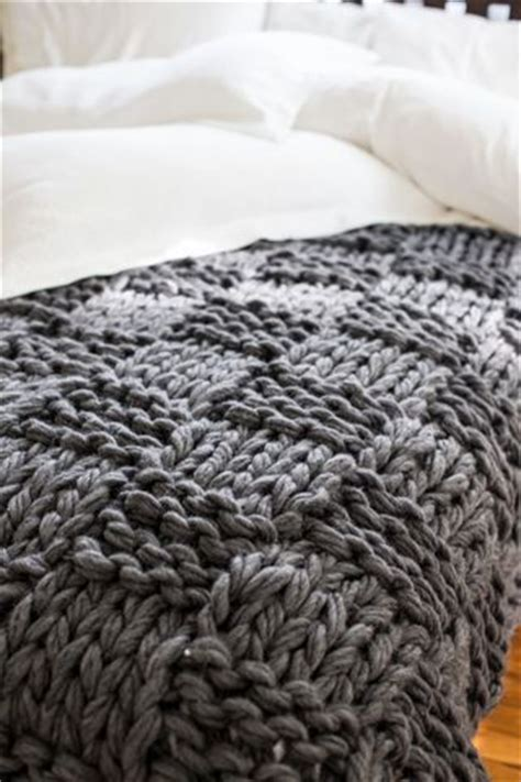 arm knitting for beginners 25 best ideas about arm knitting tutorial on