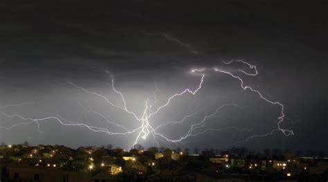 thunder in use spider lightning by pr3t3nd3r on deviantart