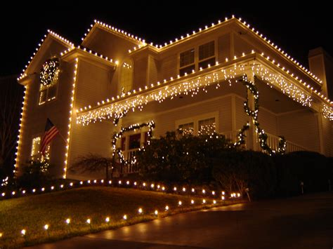 roof decoration lights hazards safety tips for decorations