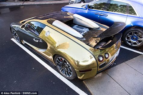 Gold Bugatti Cost by Gold Bugatti Veyron Of A Saudi Millionaire Makes Crowds Go
