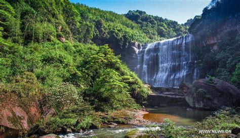 breathtaking scenery breathtaking scenery of shizhangdong waterfall china org cn