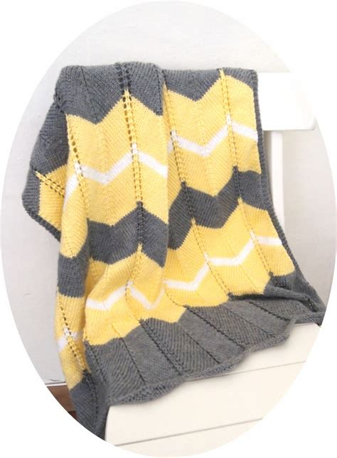 chevron knitted baby blanket pattern she is crafting my doom striped chevron baby blanket