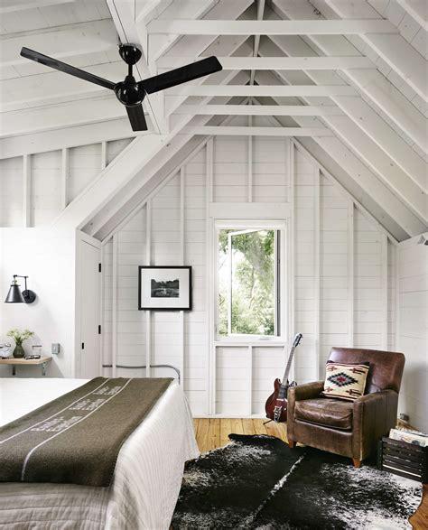 modern farmhouse house design idea with energy efficient
