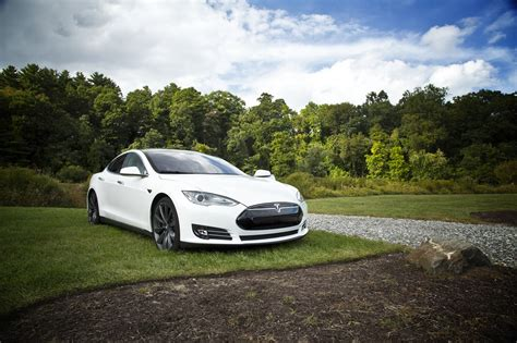 Tesla Car Distance by Tesla Going The Distance To Provide New Models Bit Rebels