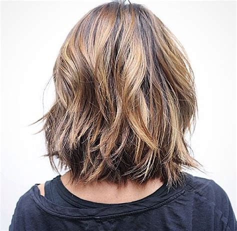 pictures of the back of shoulder lenth hair back view of a long bob layered haircut pinterest
