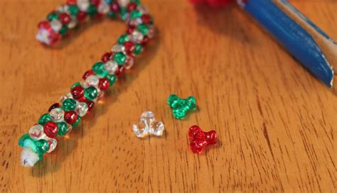 pipe cleaner bead ornaments easy ornaments to make frugal for boys and