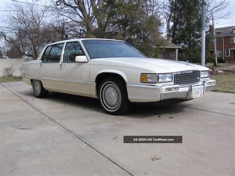 1990 Cadillac Sedan by 1990 Cadillac Fleetwood Base Sedan 4 Door 4 5l