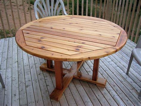cedar patio table cedar patio table by jeff lumberjocks