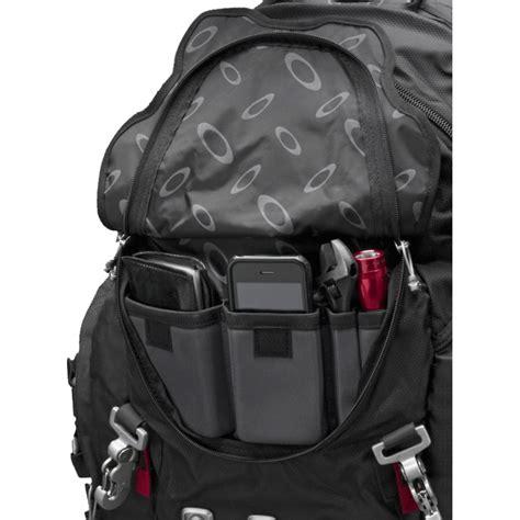 oakley kitchen sink backpack best price oakley kitchen sink back pack 92060 001 accessories