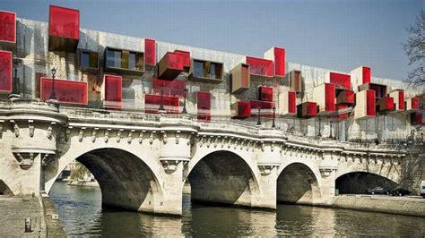 L?utopique «ville nomade» sur le Pont Neuf à Paris