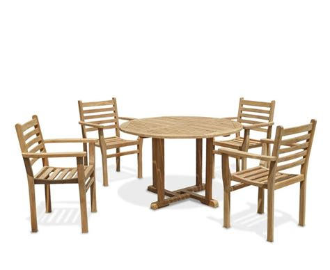 patio chairs and tables canfield patio garden table and 4 stacking chairs set