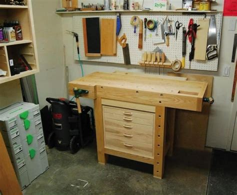 tiny woodworking shop 25 best ideas about small workbench on