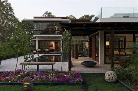 homes with courtyards courtyard house by hiren patel architects architecture design