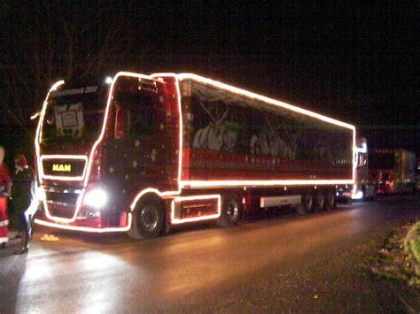 lkw weihnachtsbaum lkw weihnachtskonvoi 2011 in ostfriesland weihnachts lkw