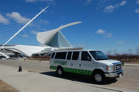 Transportation To Airport by Milwaukee Airport Shuttle Chicago Airport Transportation