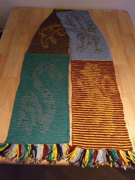 harry potter scarves knitting patterns knitted harry potter house illusion scarf pdf pattern chart