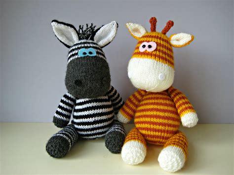 knitting patterns toys free downloads gerry giraffe and ziggy zebra knitting patterns