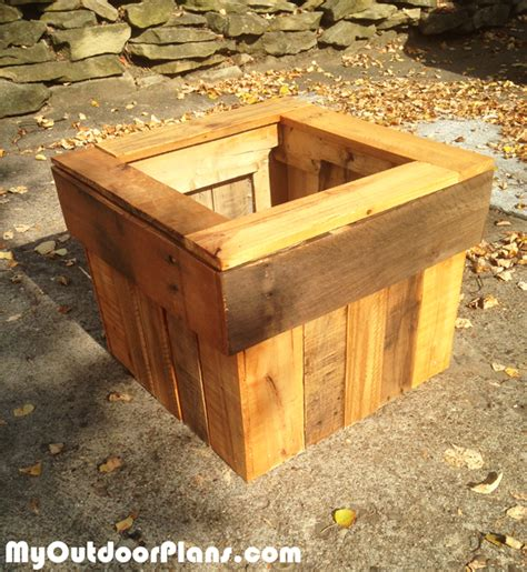 pallet planter box plans diy pallet planter box myoutdoorplans free woodworking