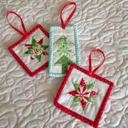 quilting crafts 25 unique small quilt projects ideas on