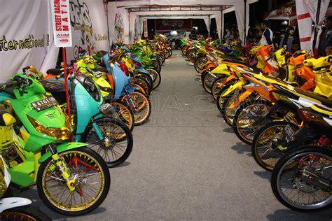 Modifikasi Vespa Di Bandung by Top Modifikasi Motor Di Tangerang Terbaru Modifikasi
