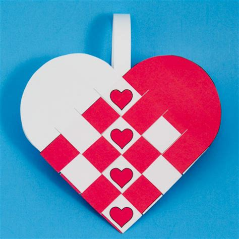 paper hearts crafts how to make woven paper baskets s day