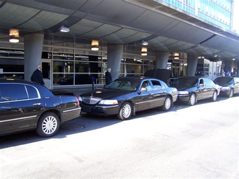 Aeroport Limousine by Montreal Airport Limousine Montreal Yul Airport Taxi